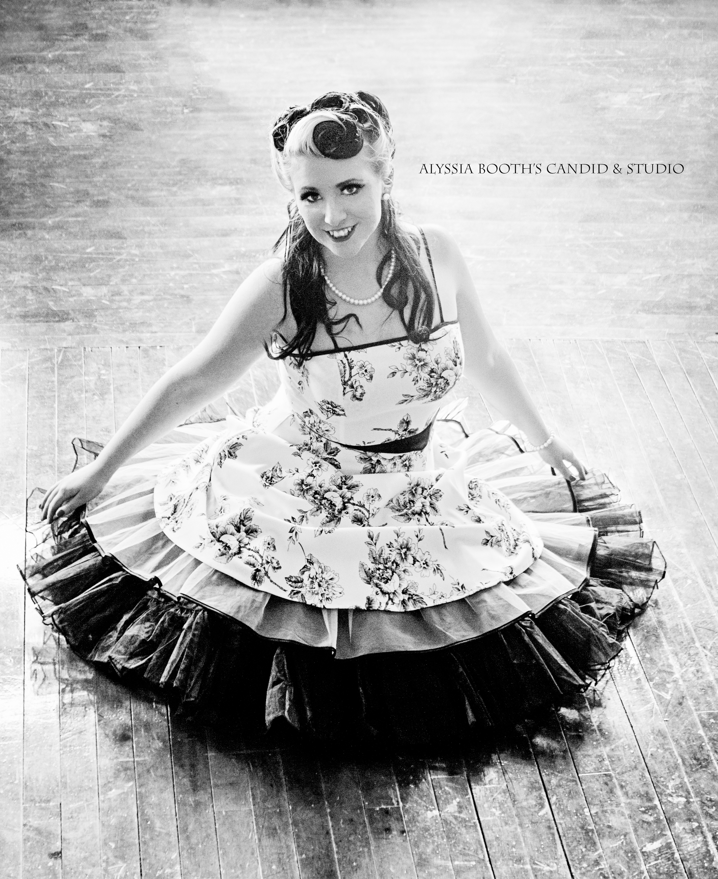 Alyssa Ferri is a jazz musician and pinup model. She's so fun to work with! She drove a crazy distance to get there and had perfect outfits. She's awesome for anything era and always prepared.