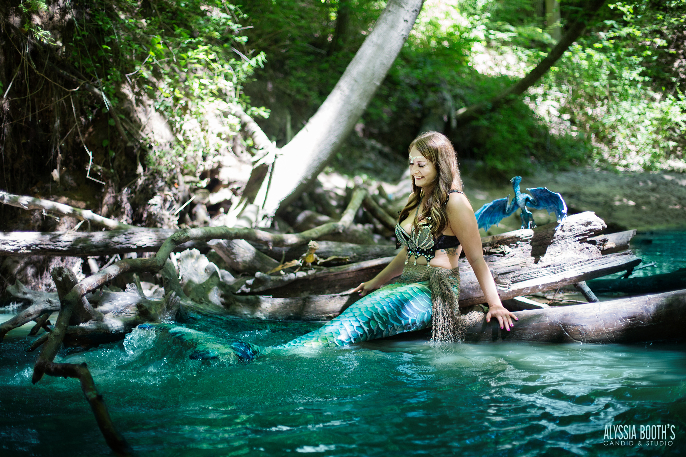 Splash | Dragon & Mermaid | Mermaid Photoshoot | Be The Myth | Alyssia Booth's Candid & Studio | Michigan Photographer | Fantasy Shoots | www.abcandidstudio.com