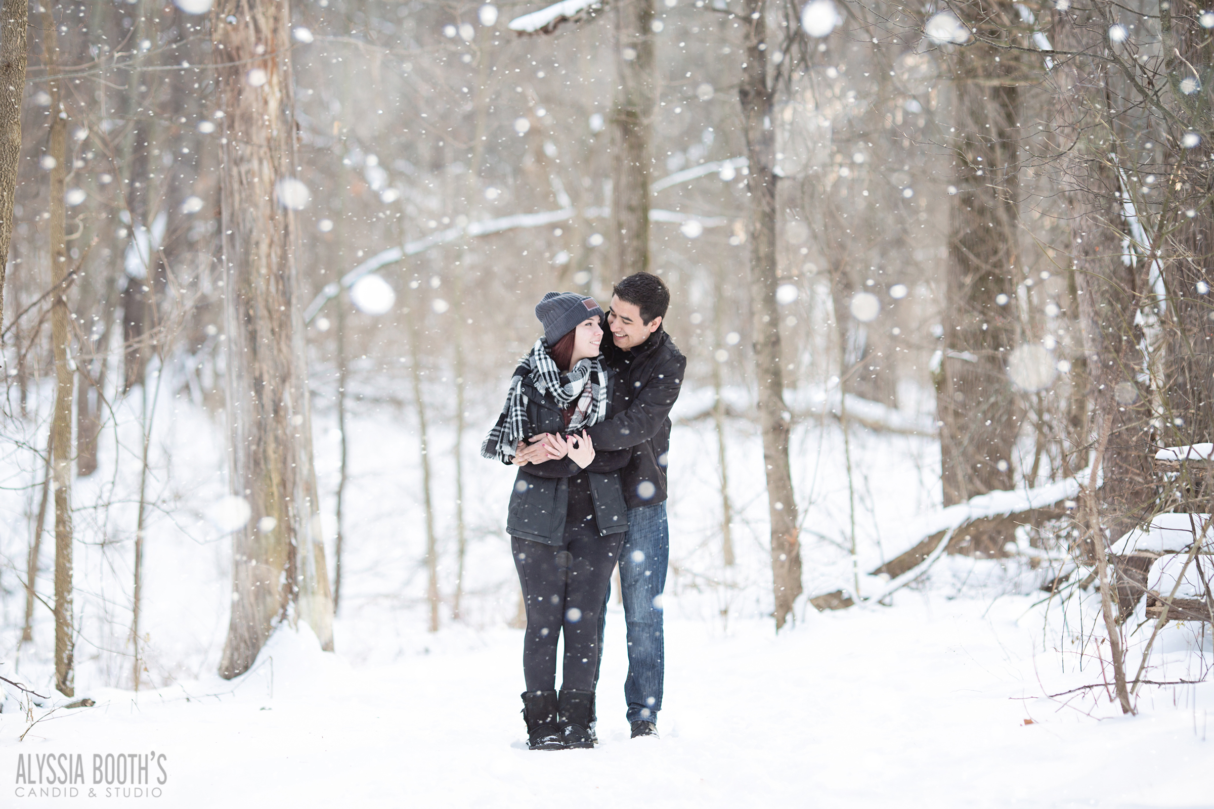 Winter Engagement Photoshoot | Okemos Michigan | Alyssia Booth's Candid & Studio | www.abcandidstudio.com | Snow photoshoot | engaged