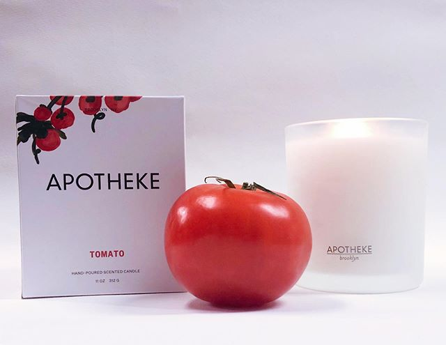 Is it a fruit or a vegetable? Neither — it's a candle! Our new @apothekeco Tomato candles remind us of a lush garden in summertime. They're long-lasting and fragrant, and they're freshly hand-picked by us for you! • • • • • • #candles #washingtonsmallbusiness #justpaperandtea #summergiftideas