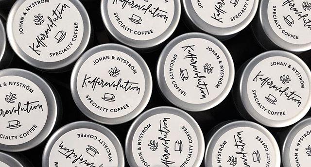 Have I mentioned that I love my job? #kafferevolution @johanochnystrom @stickerapp #lettering #handlettering #branding #handmadefont #goodtype #designspiration #sthlmletteringclub #moderncalligraphy #letteringcommunity #typographyinspiration #letteringco #bokstavsillustration