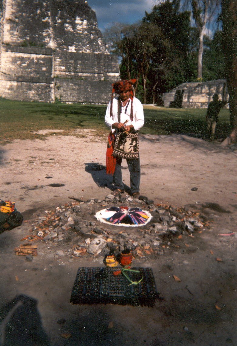 Eduardo in Tikal - Preparing for a Fuego Sagrado on Wajxaqib B'atz'