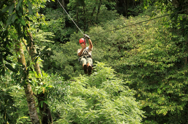 Ziplining-dominical-costa-rica.png