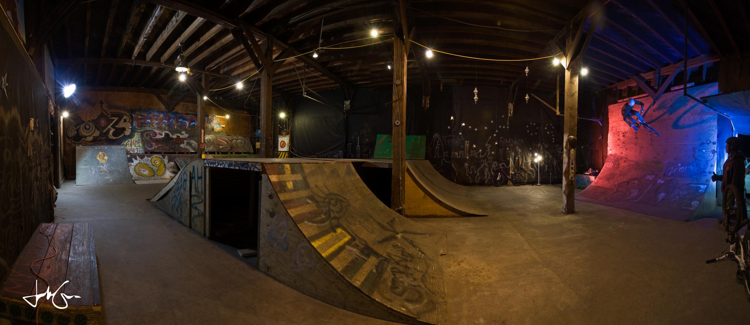 Garage park Pano.jpg