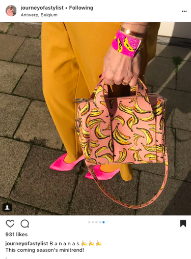 fashion blogger journeyofastylist wearing pink and mustard and banana print bag