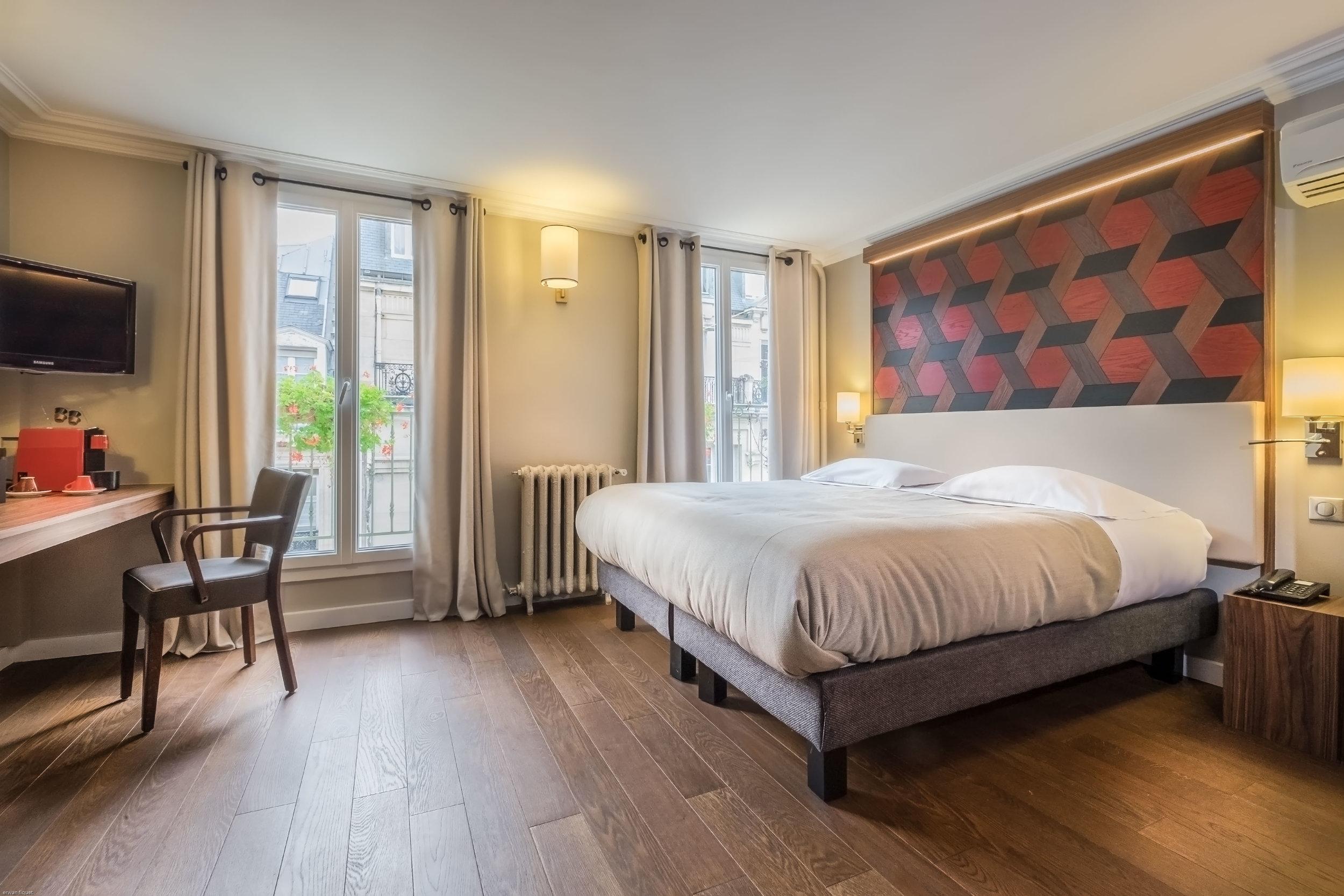hotel room,Paris