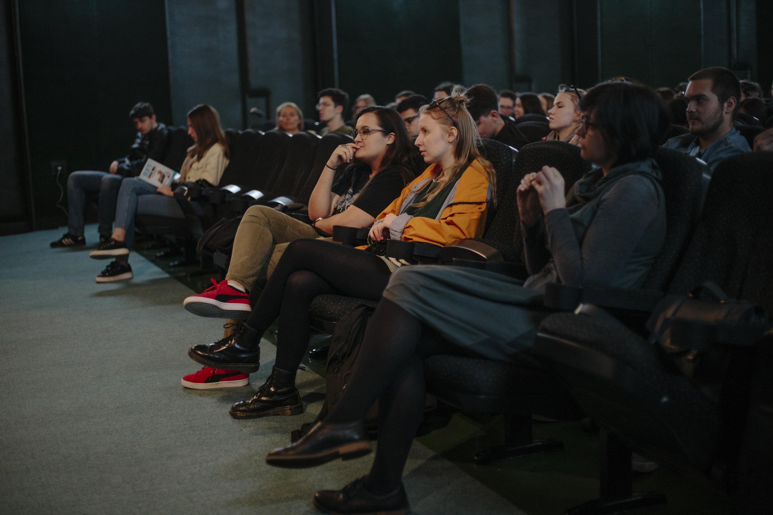 FILMSKA ŠKOLA - Tuškanac, Analiza filma-Pakleni Šund