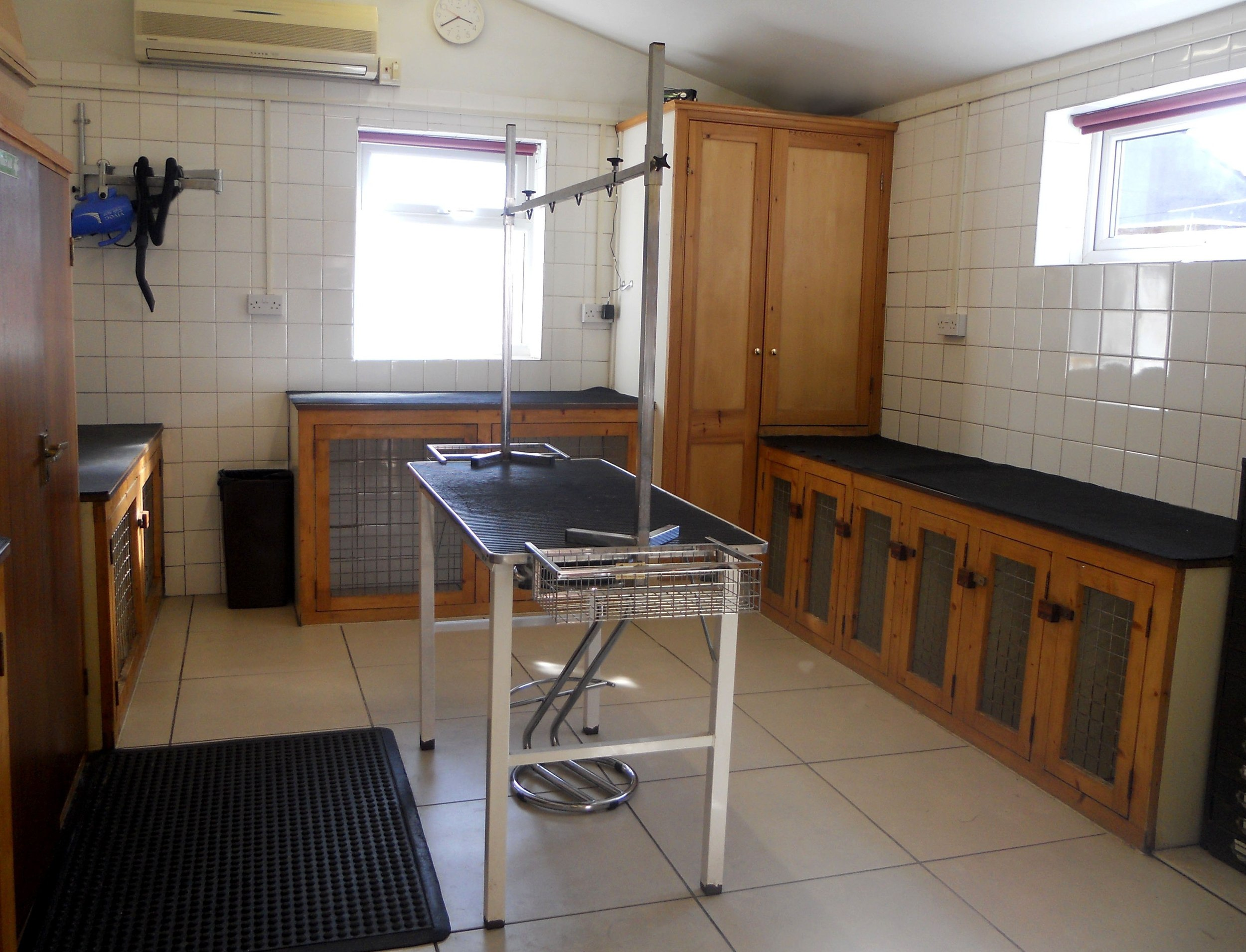 Our fully air-conditioned and tiled Grooming Salon.