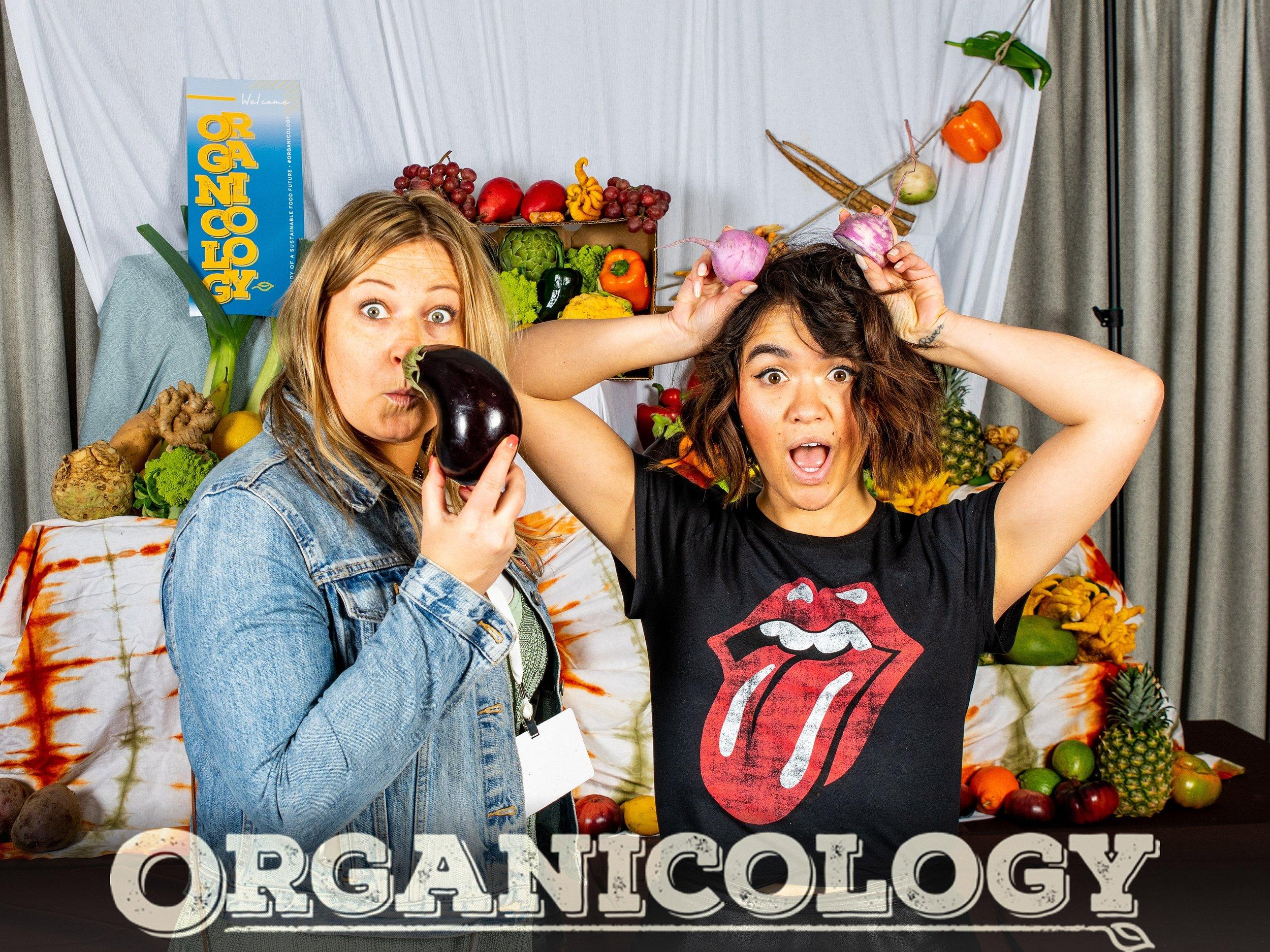 Organicology-2019-Booth-057-BrokenBanjo-Tonya_Amelia.jpg