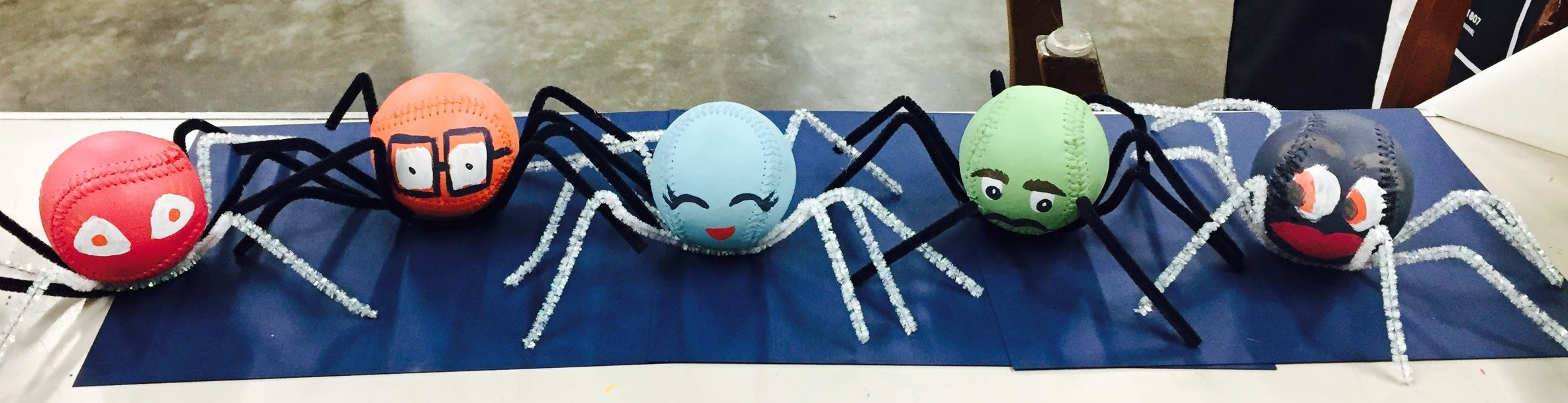DIY Halloween Spiders 1.jpg