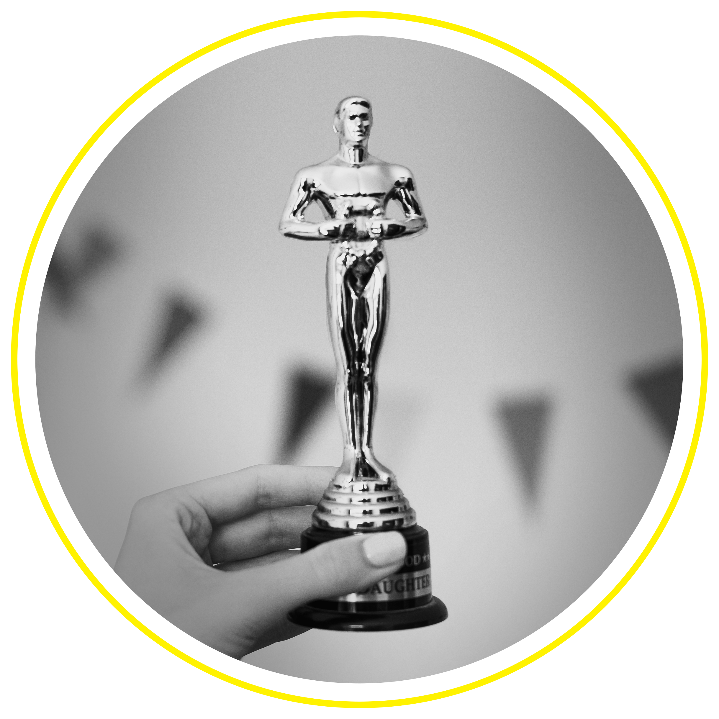 Trophy_CircleCutout_Yellow.png