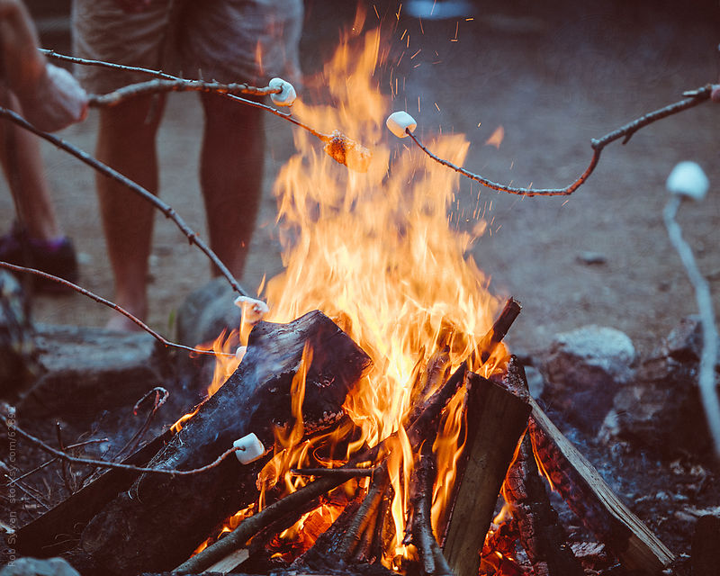 bonfire-campfire-marshmallows.jpg