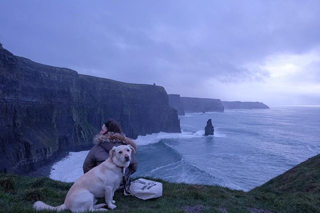 15/12/2018 at the Cliffs of Moher, 11.00am . .  #ThePhotoHour #StormHour ‬ #dailycliffs #dailycliffspics #cliffsofmoher #xt20  #liscannor  #cliffs #foam  #wildatlanticway #storm #wet #misty #clouds
