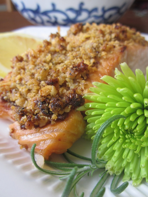 Looking for a special recipe that checks lots of boxes for your holiday guests on special diets? Try this Walnut-Encrusted Salmon.