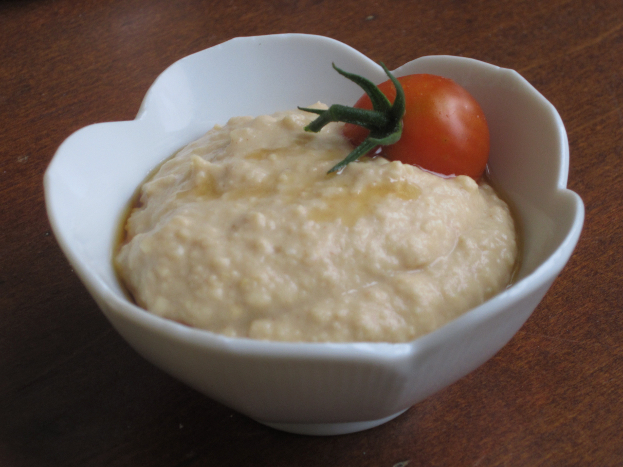 There are many good low-FODMAP sources of fiber that people with diabetes can eat. Delicious lower-FODMAP hummus starts with canned, drained chick peas, which are lower in FODMAPs than those used to make commercial hummus. Scroll down to try this recipe yourself!