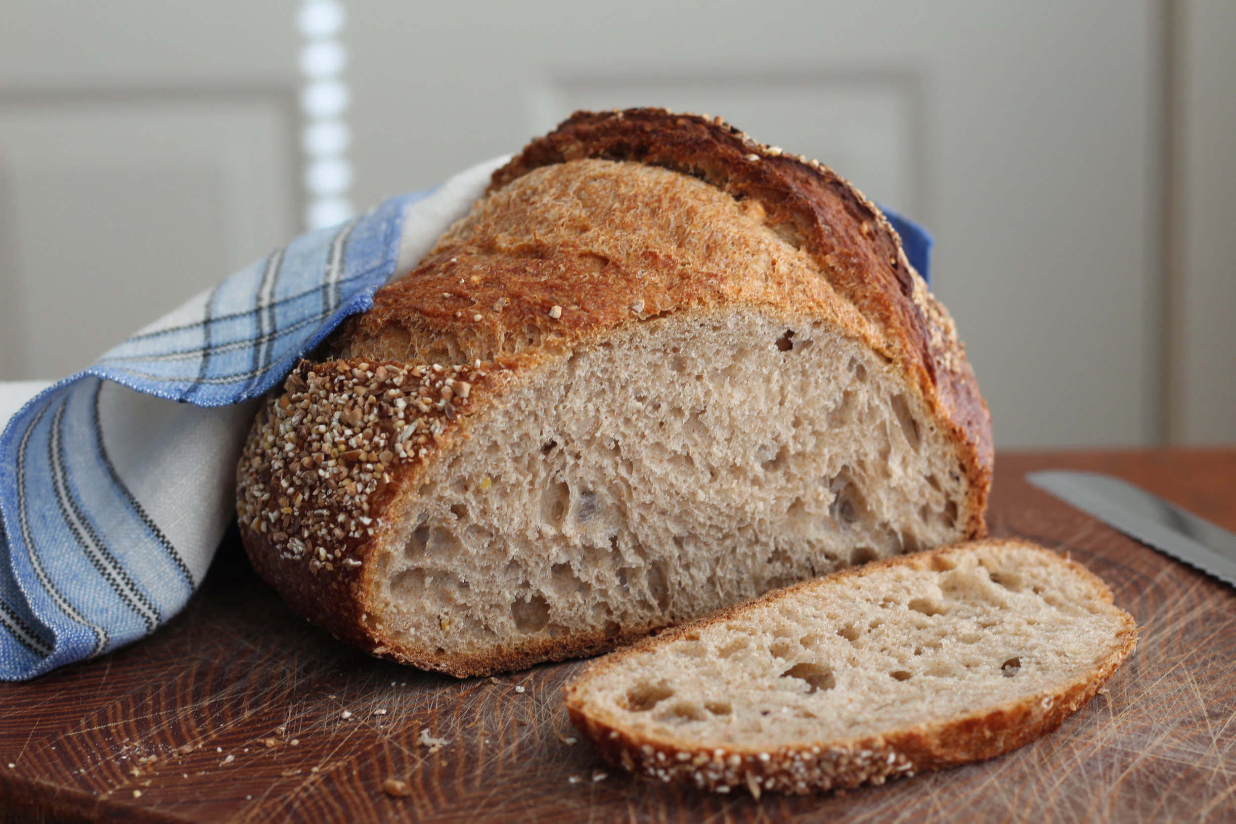 Is sourdough bread made from wheat suitable for a low-FODMAP diet?