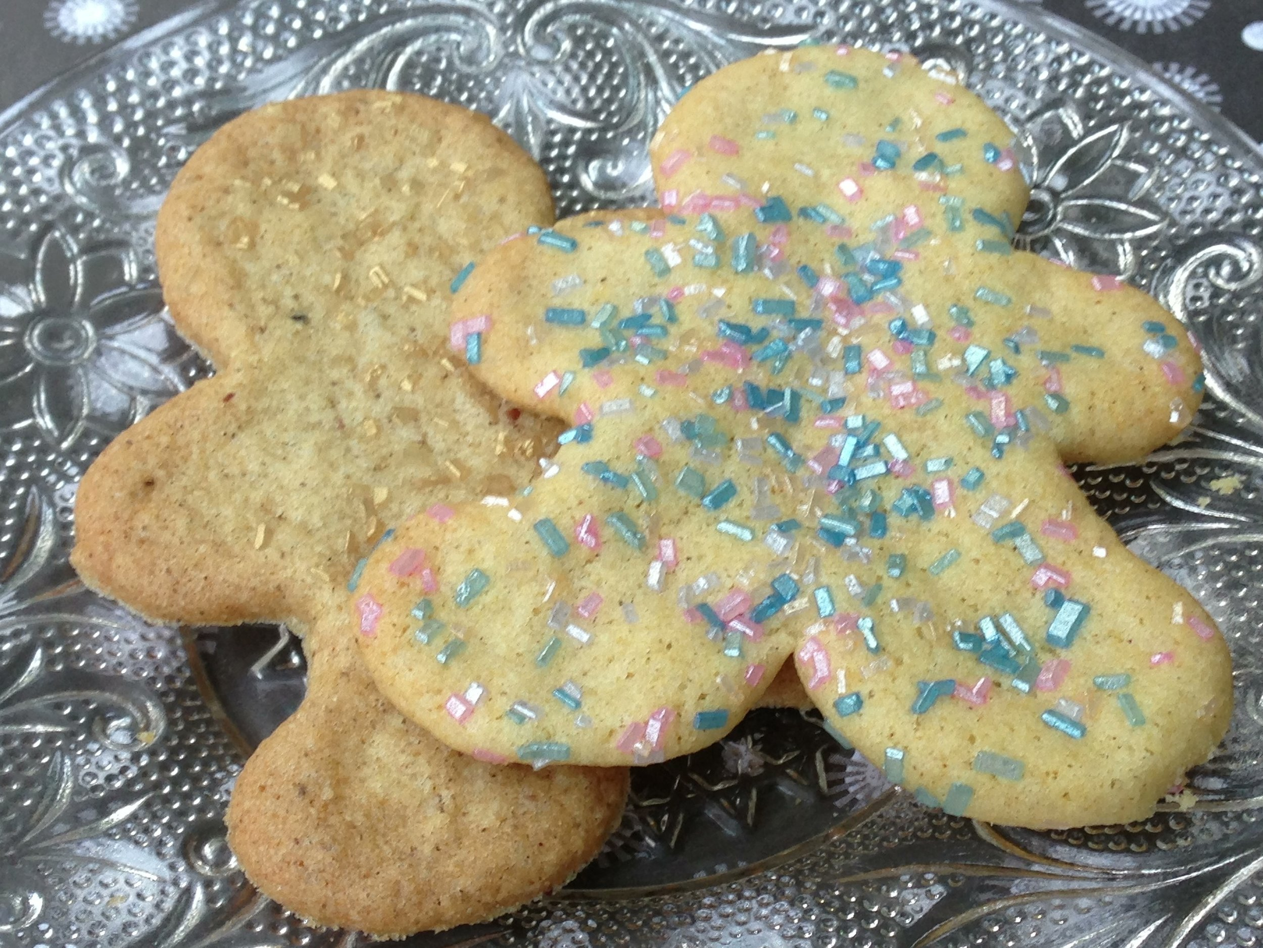 Cute and crispy, these low-FODMAP sugar cookies are the best!