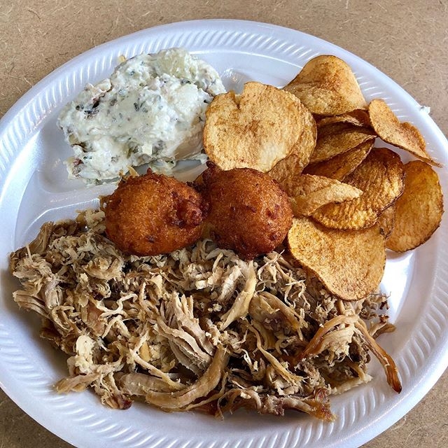 #pulledpork #bbq + #potatosalad + #hushpuppies + #homemadechips = amazing lunch from @mtnviewbbq