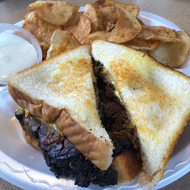 #Beef #brisket melt and #homemadechips from @mtnviewbbq