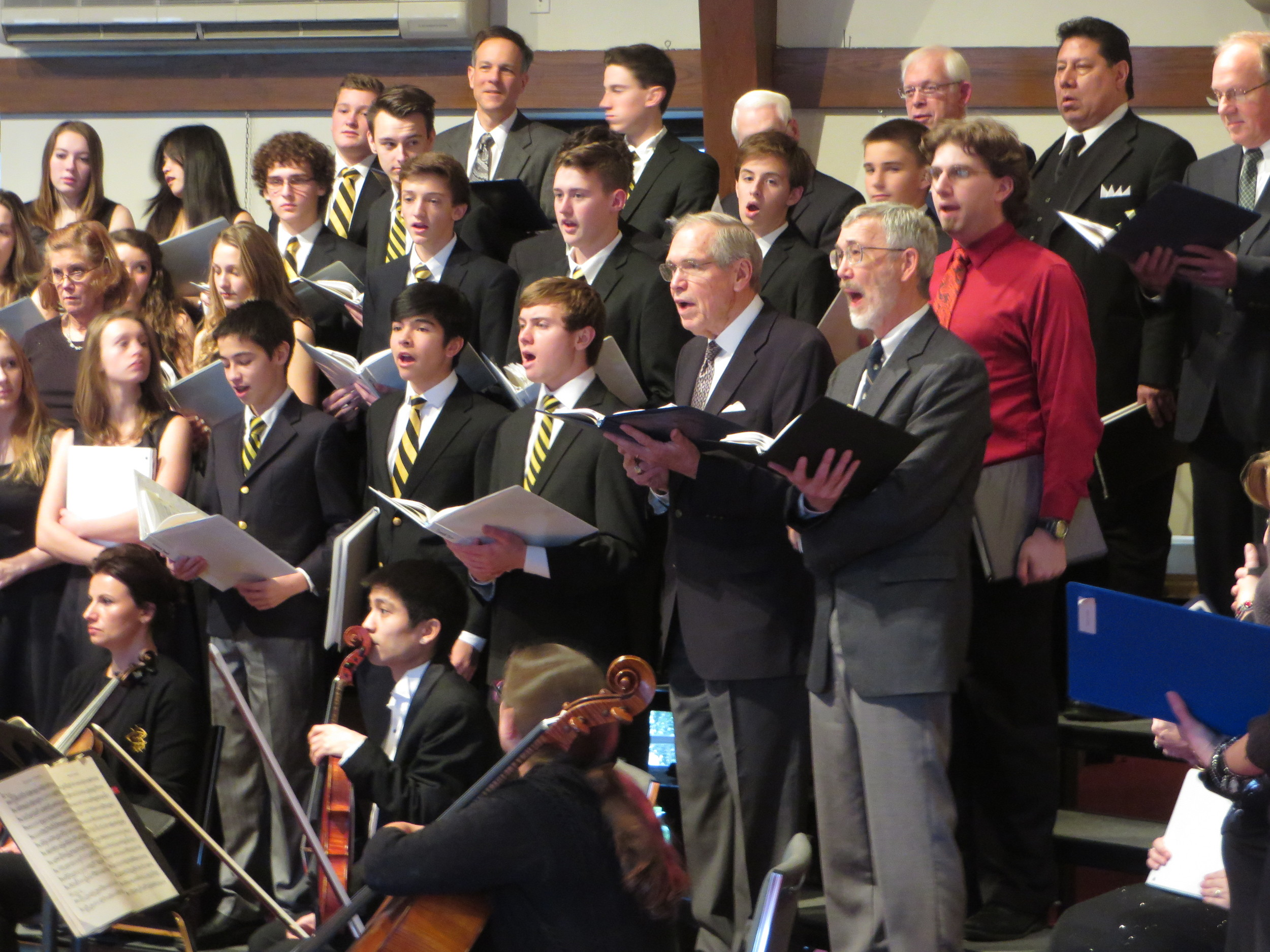 Advent's Messiah Sing, Dec 14, 2014 022.JPG