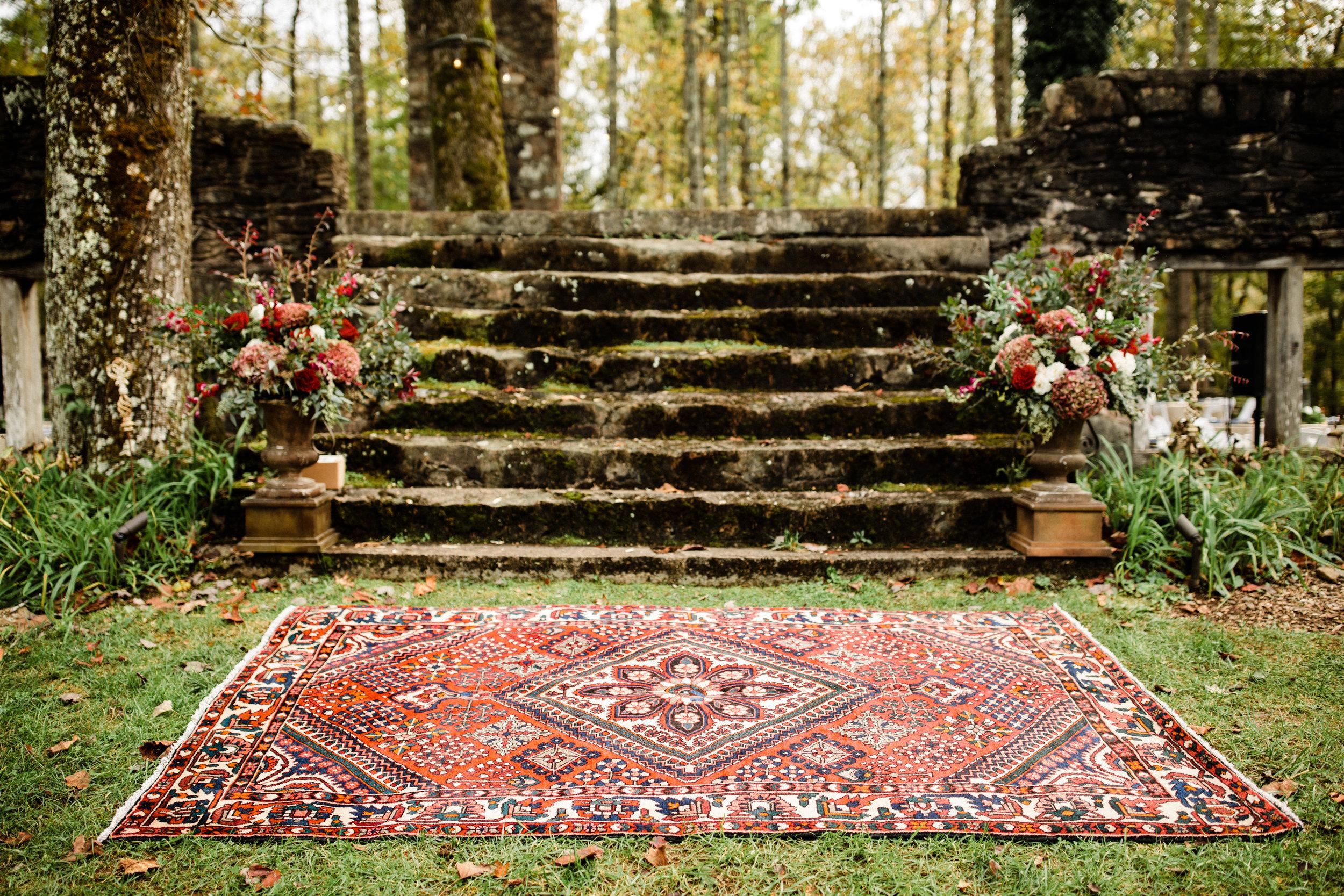 Savannah+Alex-Fall+2018-ceremony+rug.jpg