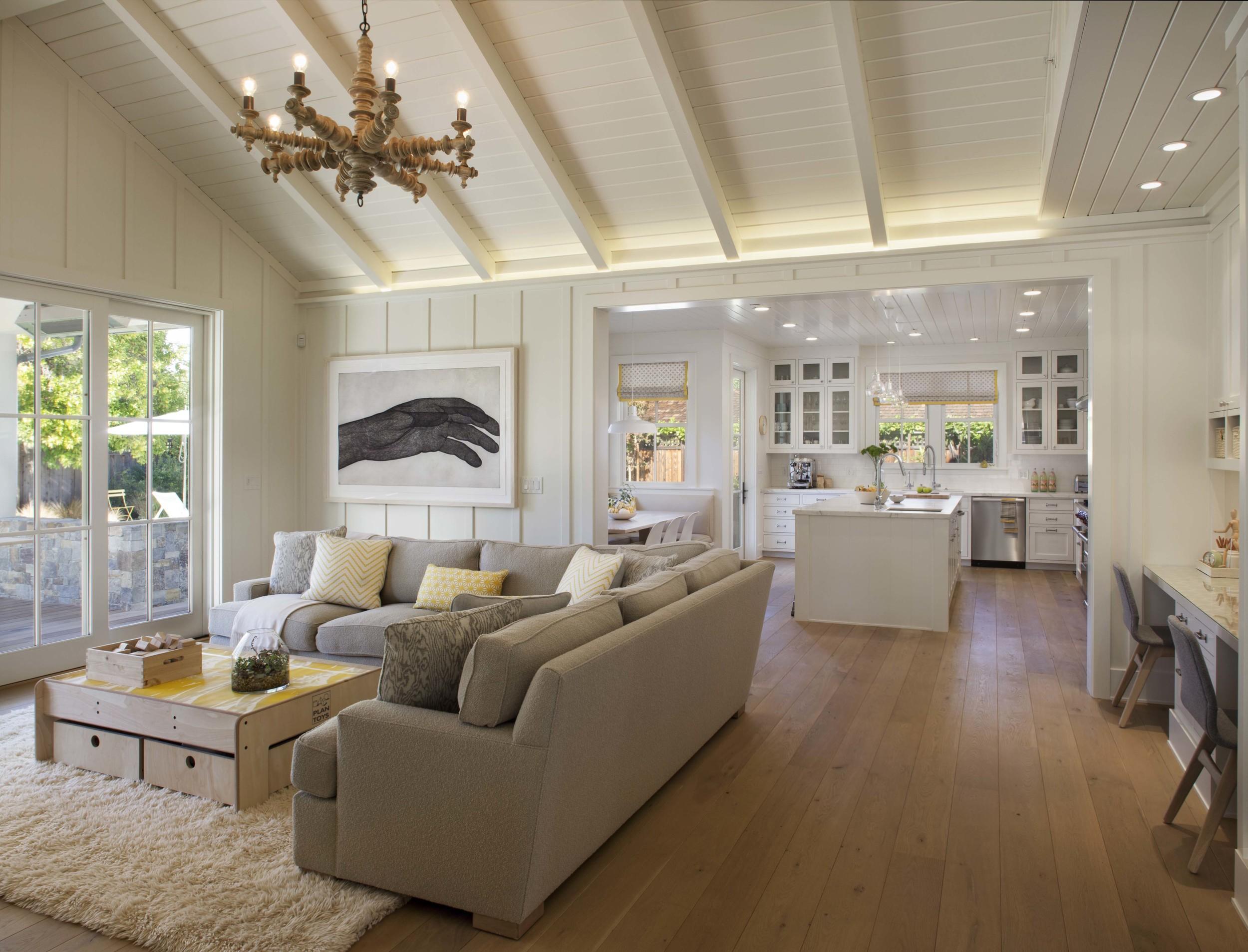 Modern Farmhouse: Family Room 1