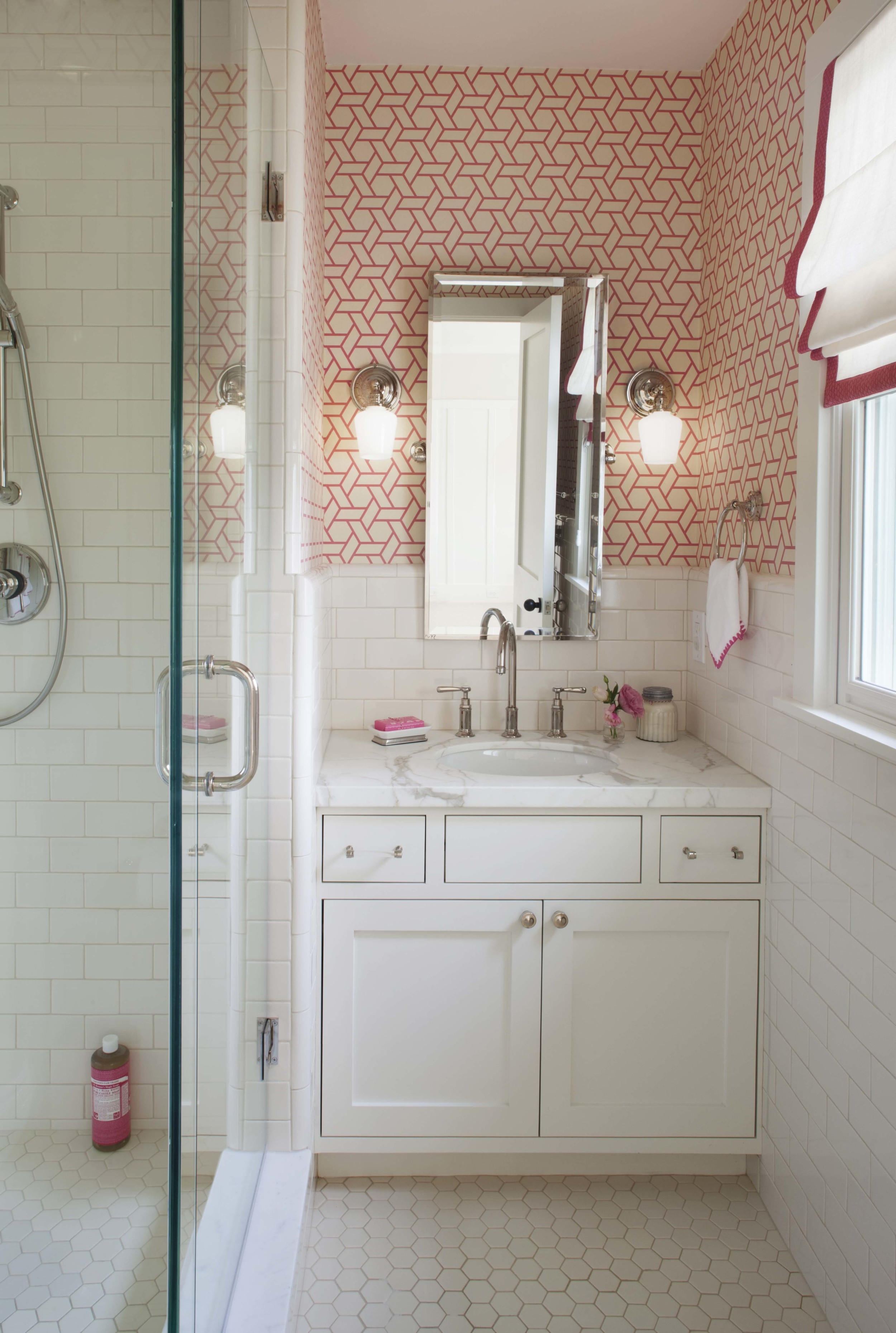 Modern Farmhouse: Girl's bath