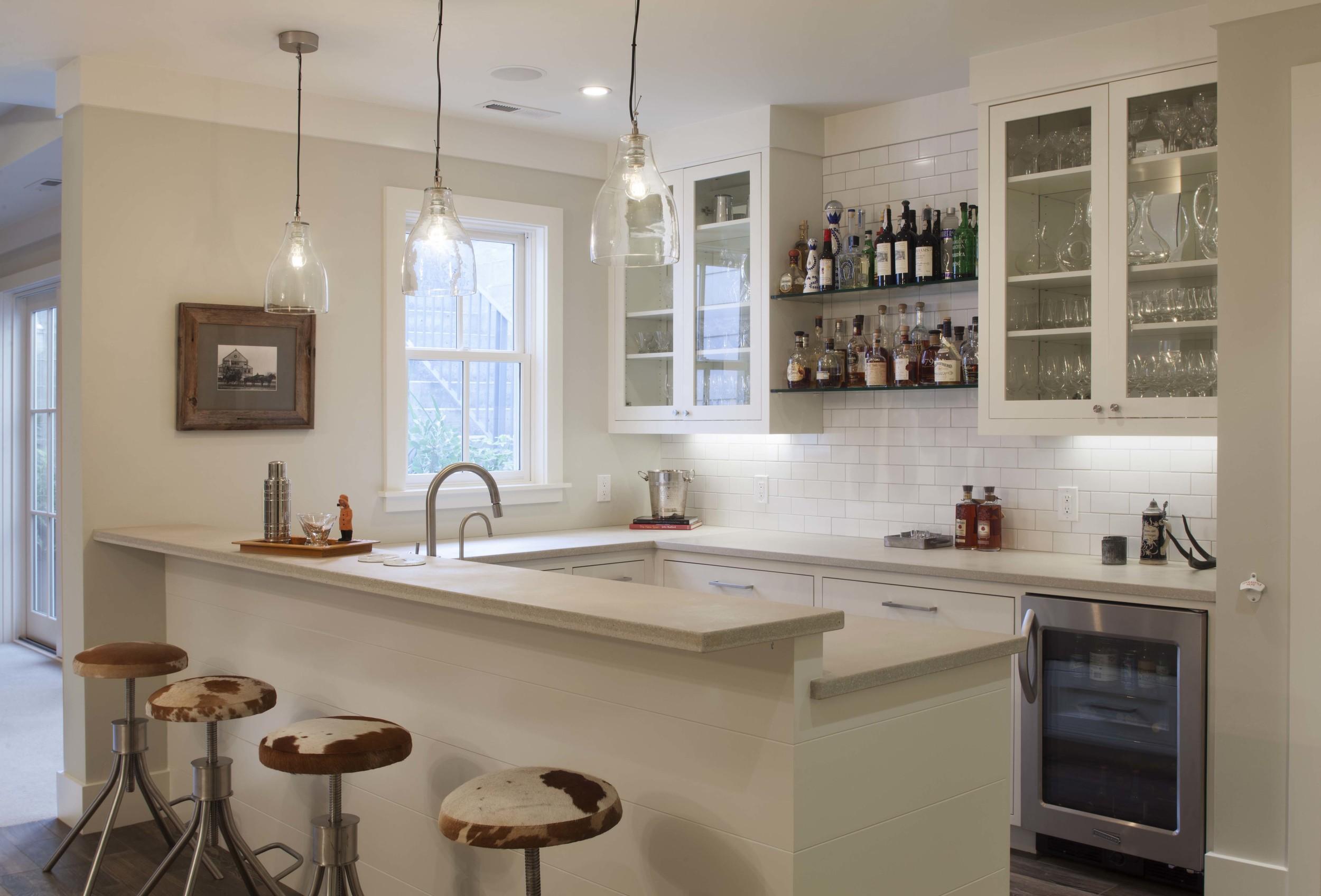 Modern Farmhouse: Bar