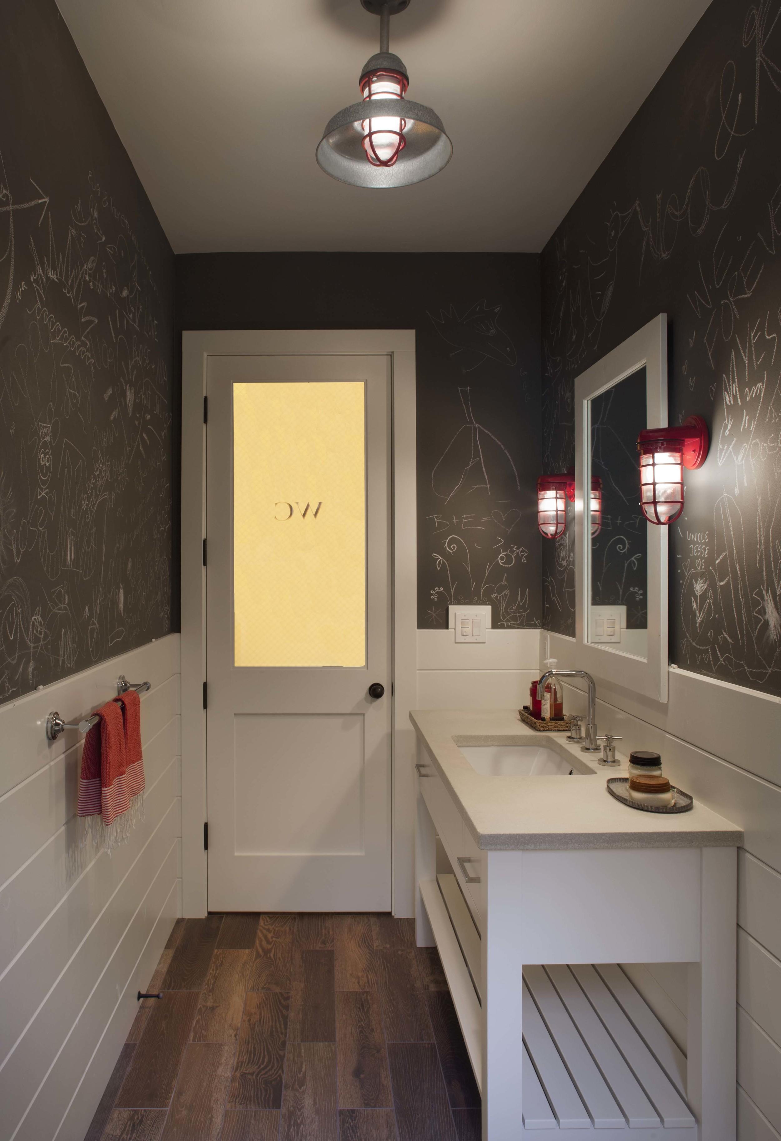 Modern Farmhouse: Bar bath