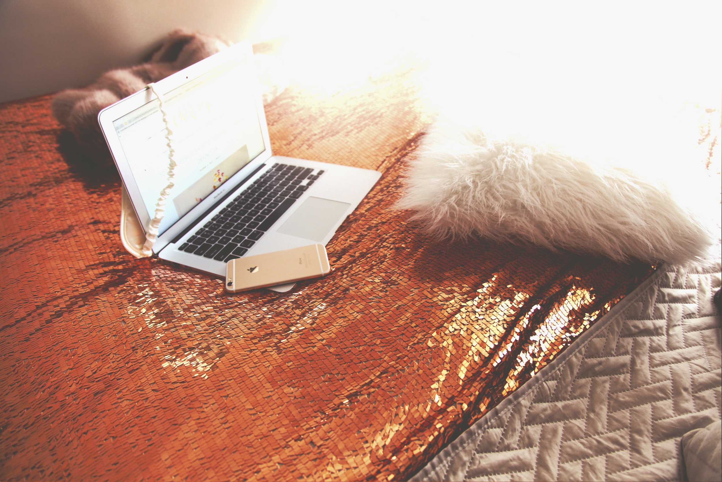 Diana Rogo bed cover 8.jpg