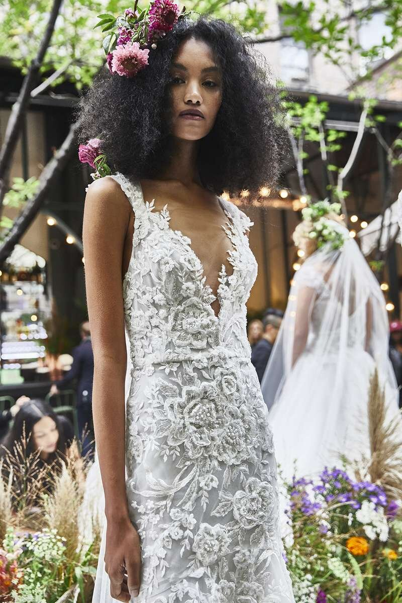 marchesa-wedding-dresses-fall-2020-07-6d8e8168f5694695b8e9898fbd64c65e.jpg