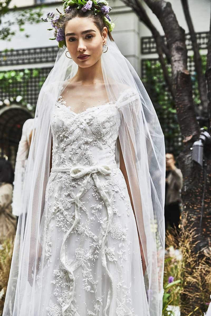 marchesa-wedding-dresses-fall-2020-10-c9f432eae779444aa158b0228eb2900c.jpg