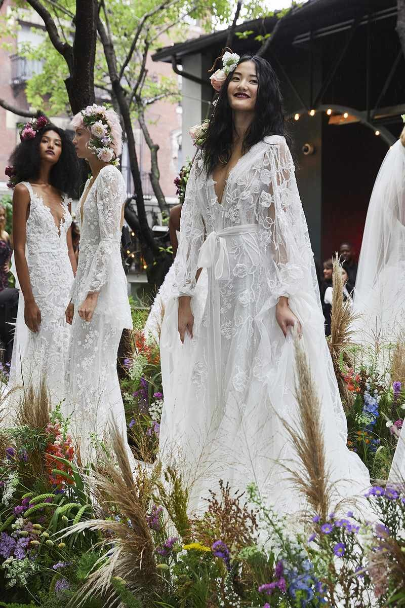 marchesa-wedding-dresses-fall-2020-15-f0c57b106a924ce084d54c0d7110da42.jpg