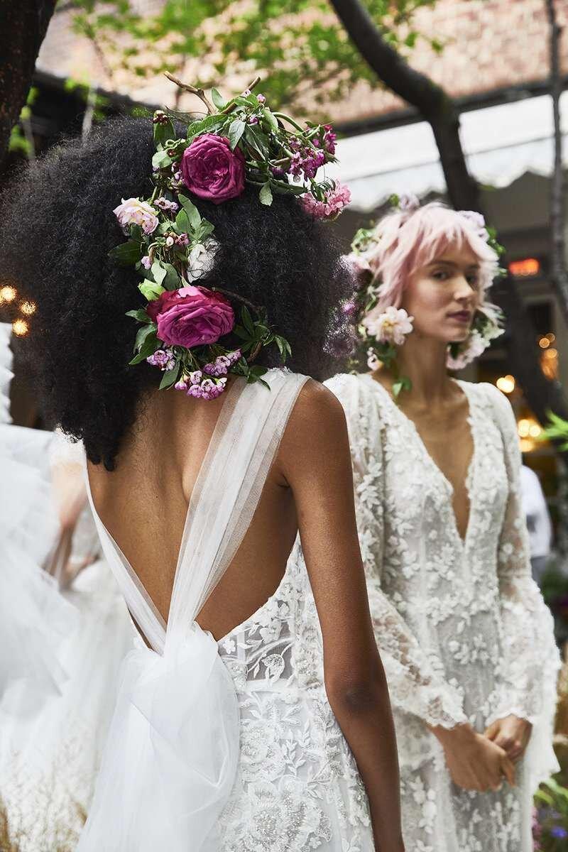 marchesa-wedding-dresses-fall-2020-17-f3114ba8151e4bd7b8af5a905ac58ff2.jpg