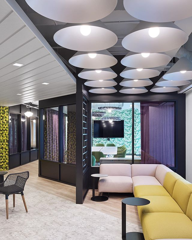 IPG Mediabrands office reception. I must say I was stunned when I saw this space! I would love to hang here! . . #stevetsaiphotography #stevetsai #commercialinteriors #corporatedesign #officedesign #architecturalphotographer #interiordesigner #interiordesign #architecture #architecturephotography #architecturephotographer #interiorphotography #interiorphotographer #decor #architecturalphotography #photographer #officedesign #moderndesign #interiorphotographer #Toronto #TorontoPhotographer #officeinterior #phaseonephoto #iq3trichromatic #phaseonexf #mediumformat #digitalback @figure3design @ipgmediabrands @prechtorik @kathegenberger @willcgray  @josiedimaria @suzanne7fifi