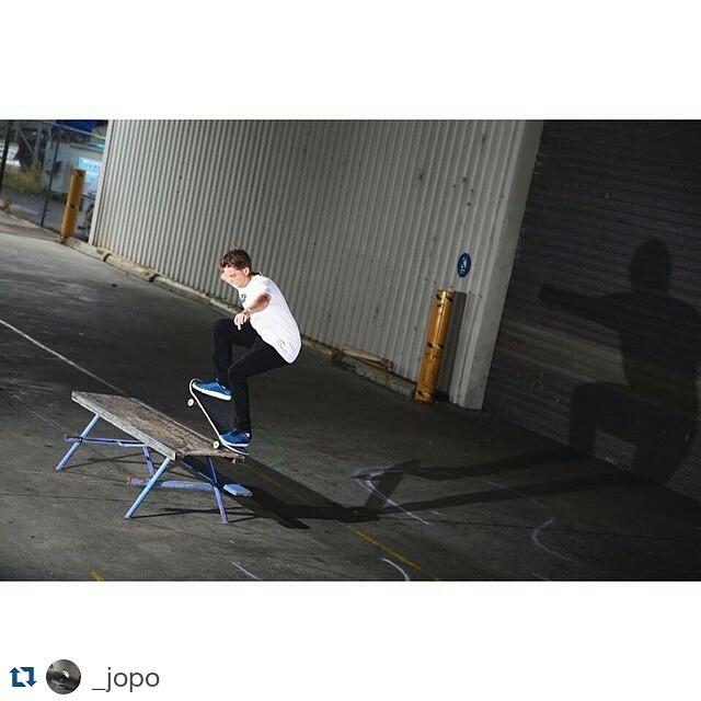 #Repost @_jopo ・・・ Switch nosegrind @nikesbau #skatefree