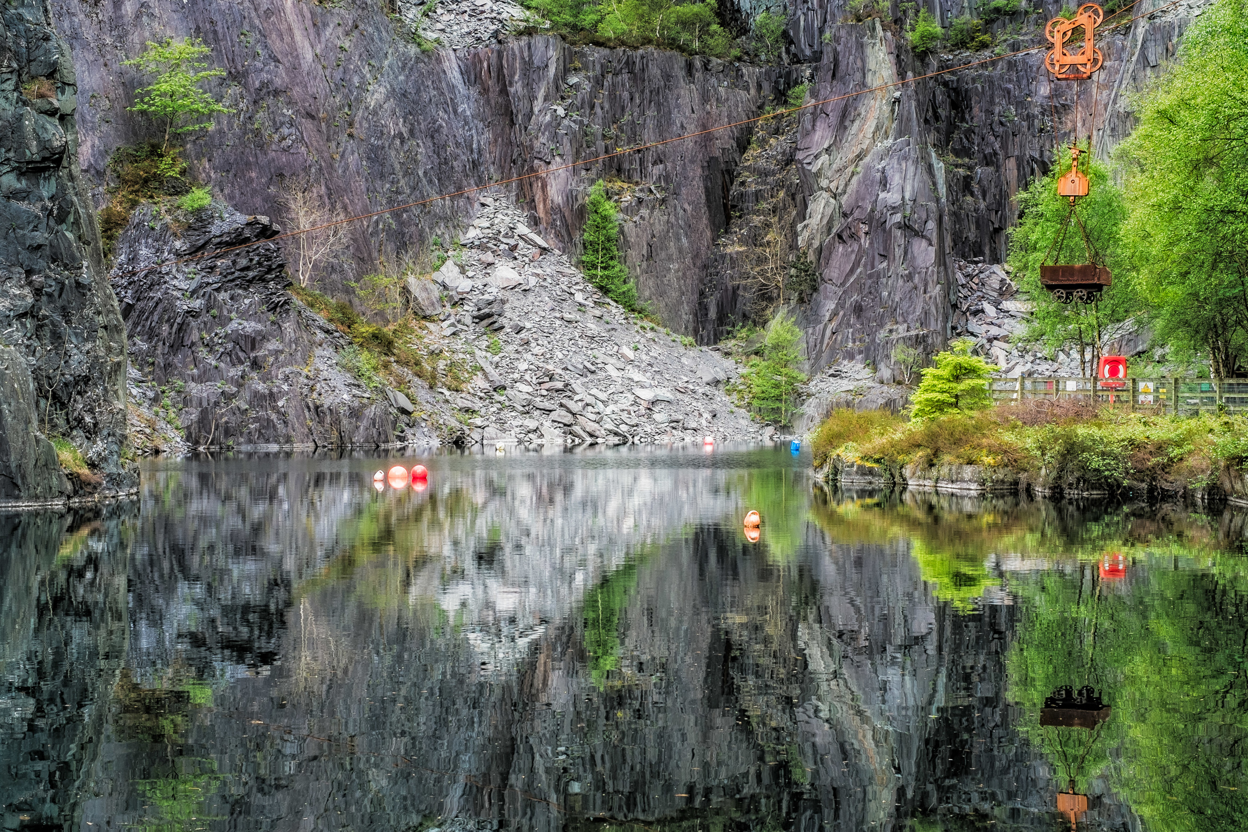 Vivian quarry, part of Dinorwic Quarry in Llanberis, North Wales. X-Pro1 + XF 35mm f/1.4  @ f/16. ISO200. 1/10.