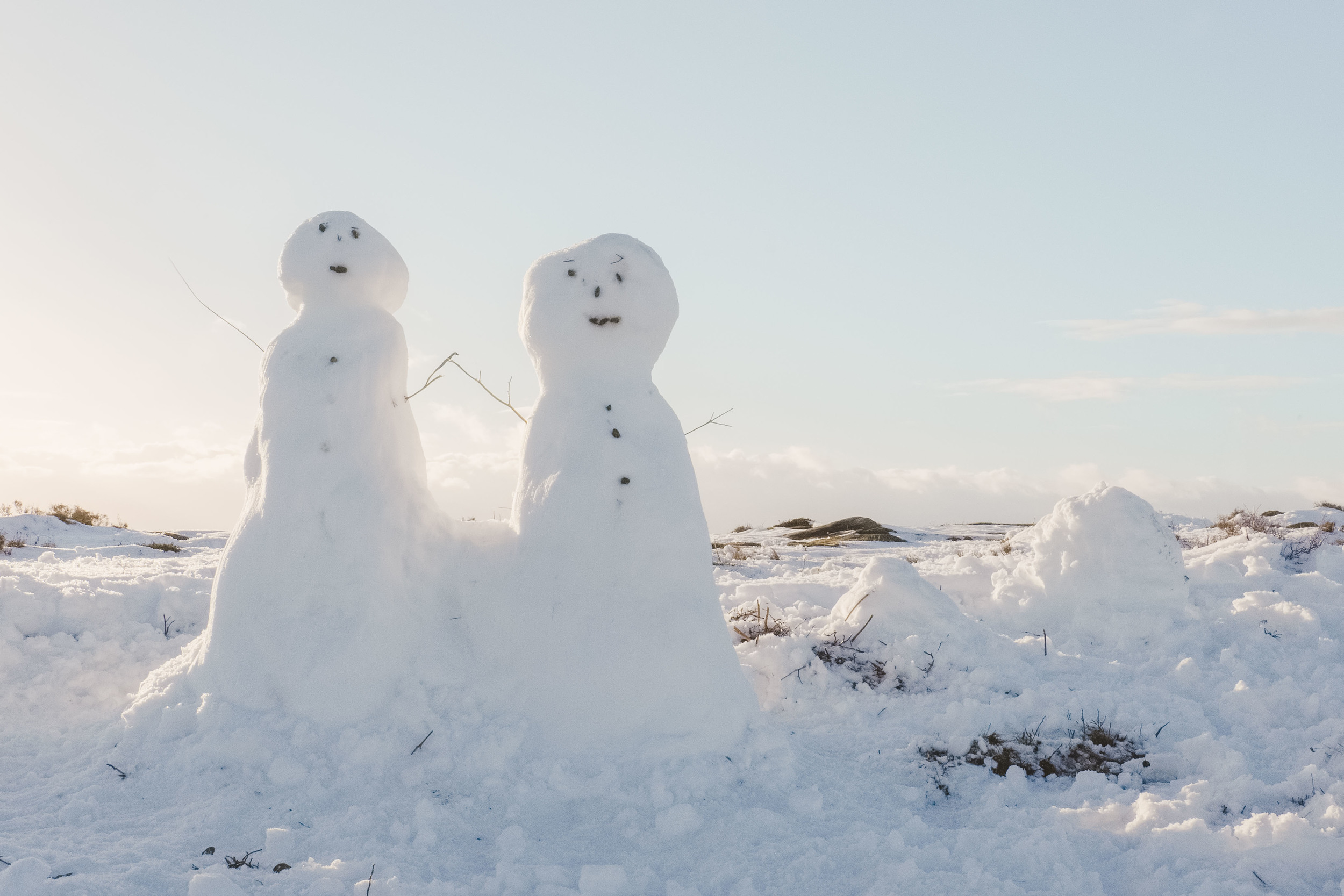 Snowmen on Curbar Edge  Fujifilm X-T1 + 18-135mm @ 25.4mm. f/22. 1/40. ISO 250