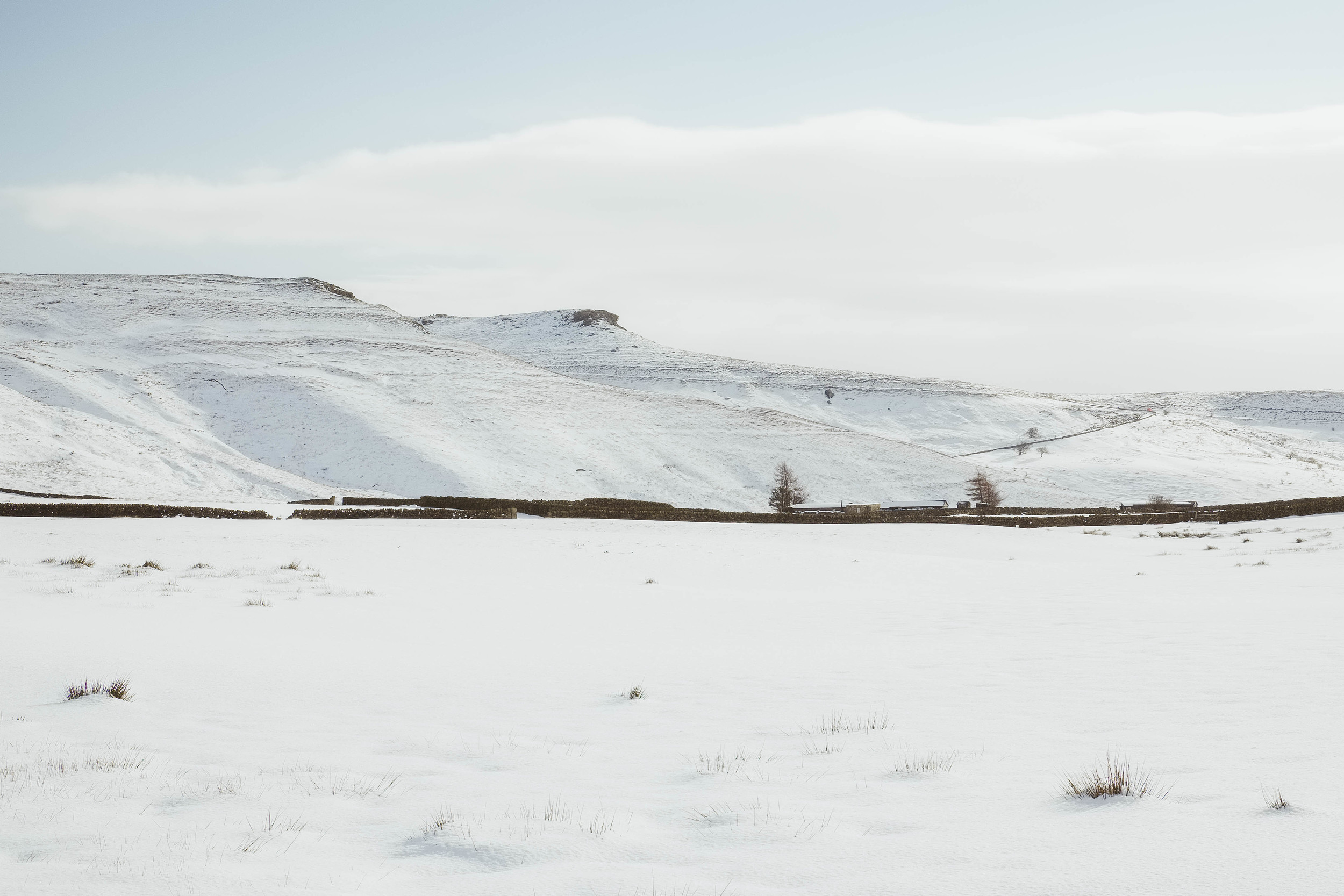 Snowy Peak District.   Fujifilm X-T1 + 18-135mm @ 36.6mm. f/14. 1/150. ISO 250
