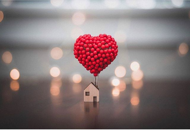 Great shot of our Balloon Pin Heart by @shanna__kramer ❤️