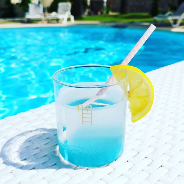 Check out my pals awesome new product 'Pool Glass'- now funding on @kickstarter! Why not get your very own tiny swimming pool/drinking glass by supporting independent designer @_dshott and checking out his latest project. (Link to project in @_dshott's bio)🍹👏🏻