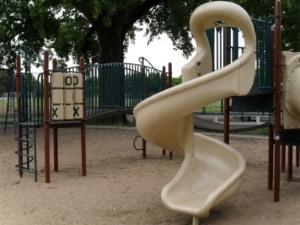 Oaklawn Improvement district playground 003.jpg