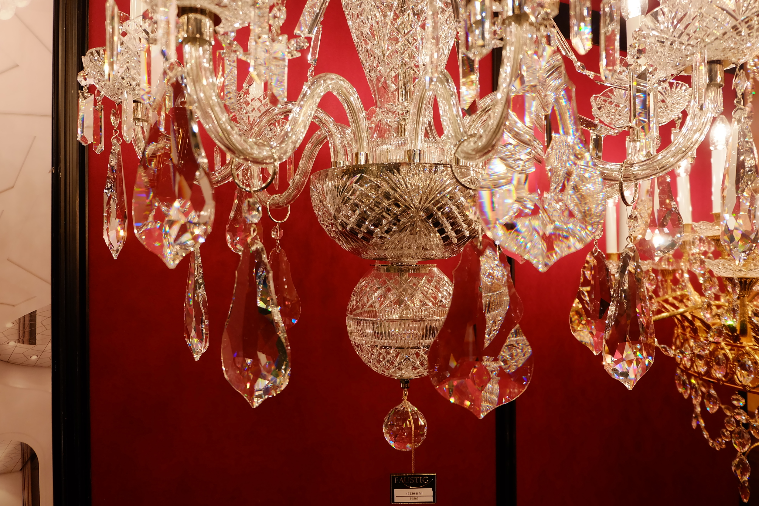Maison & Objet 2016 Highlights - Timeless lighting classics: Swarovski crystal chandelier | MSH Agency
