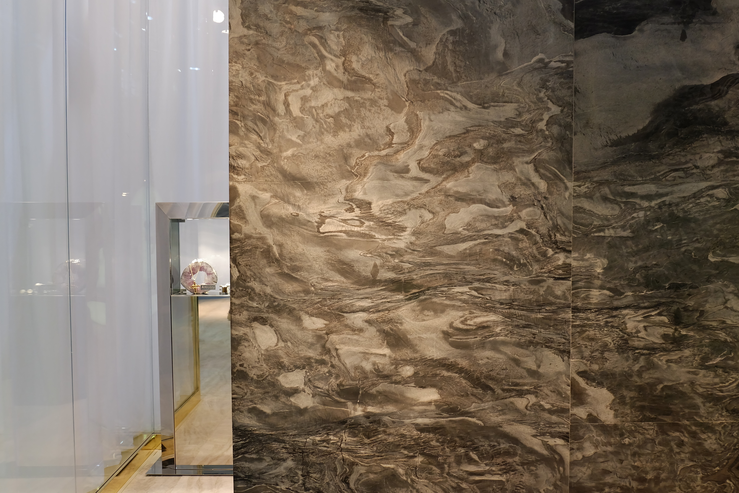 Maison & Objet 2016 Highlights - Unique wall panelling with gold accents | MSH Agency
