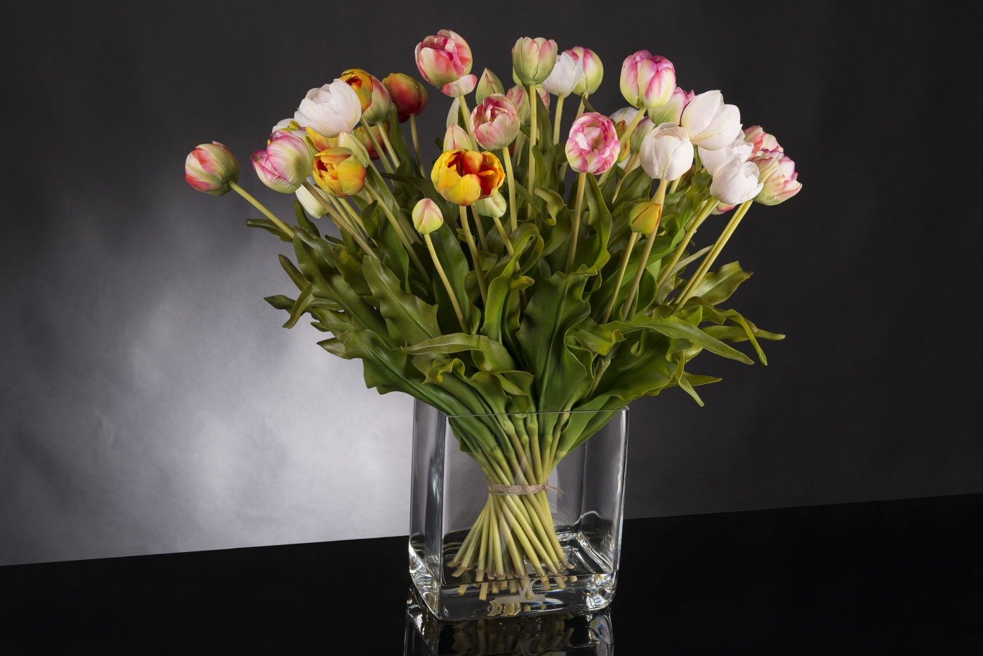 Floral arrangments - Tulips Mix by VG New Trend - Masha Shapiro Agency.jpg