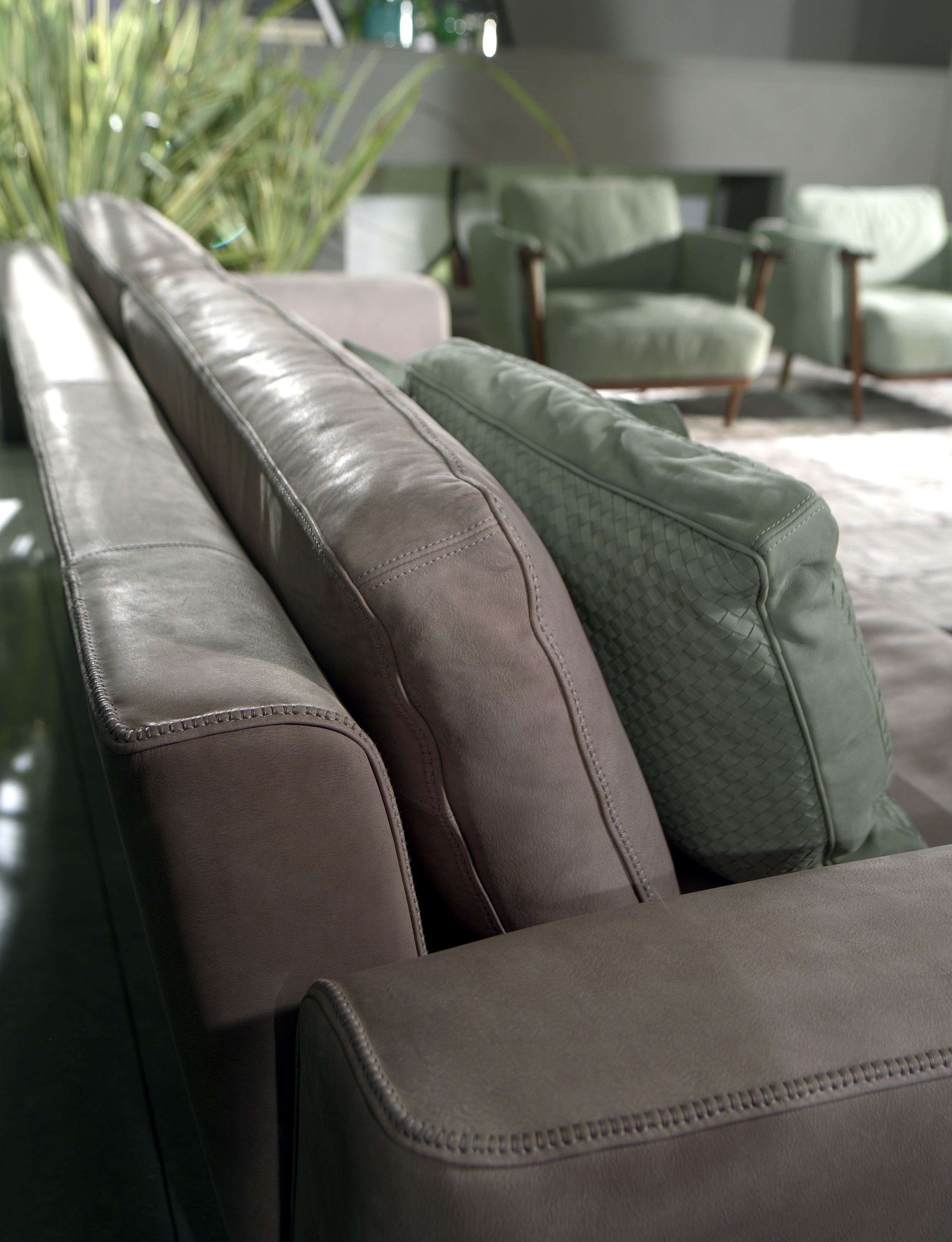 Ulivi Salotti - Robert leather sofa detail - Masha Shapiro Agency.jpg