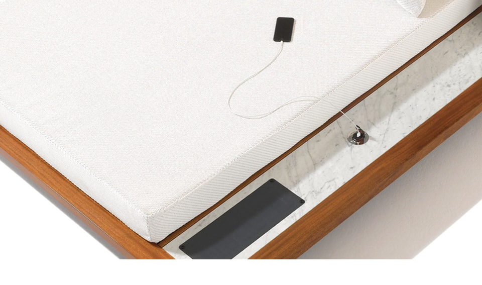 Tech in Interiors - Seora Grand Belvedere Daybed with sunpower usb charger - Masha Shapiro Agency UK.jpg.jpg