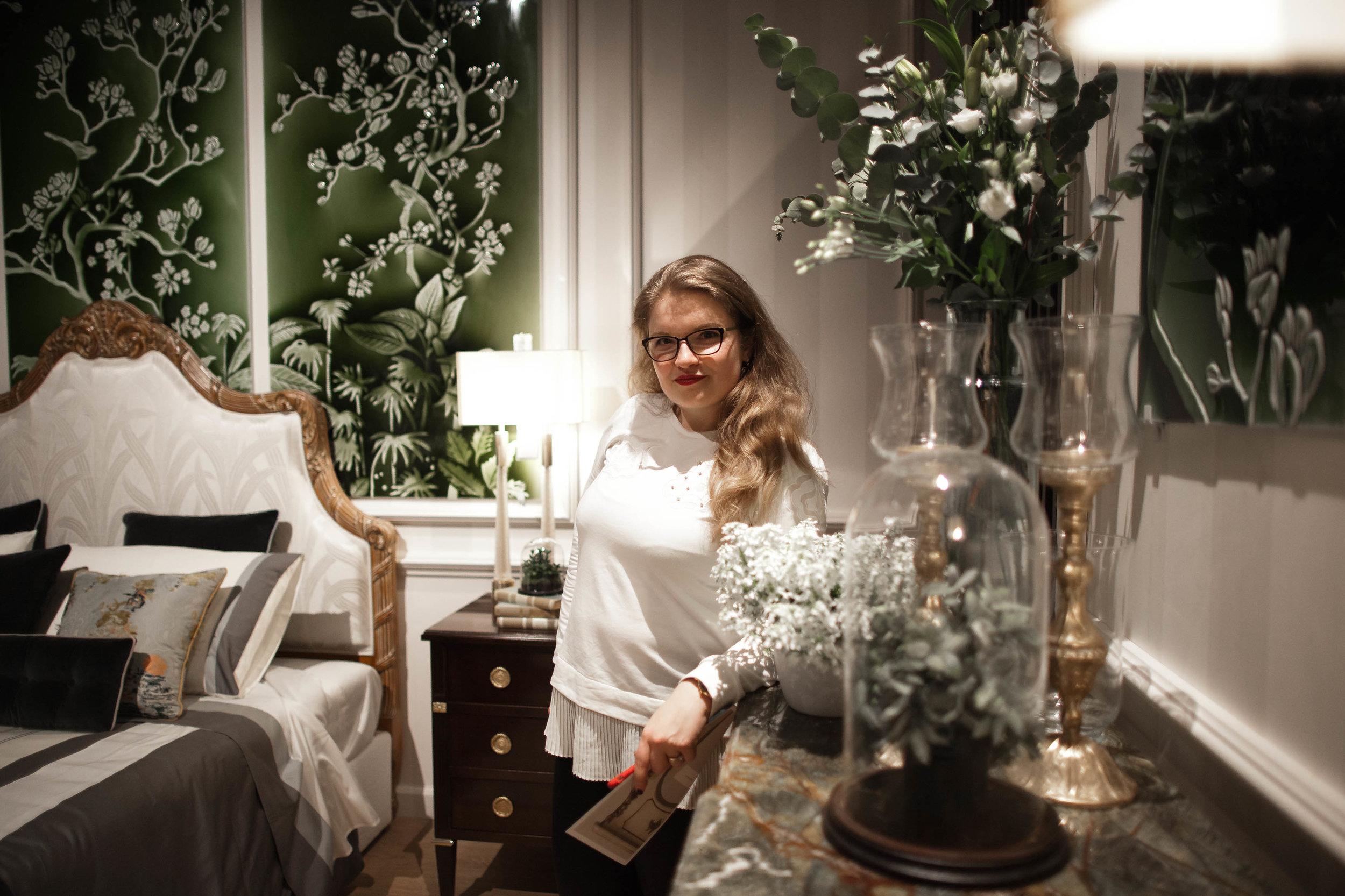 Masha Shapiro - • Business owner• UK agent• Brand ambassador