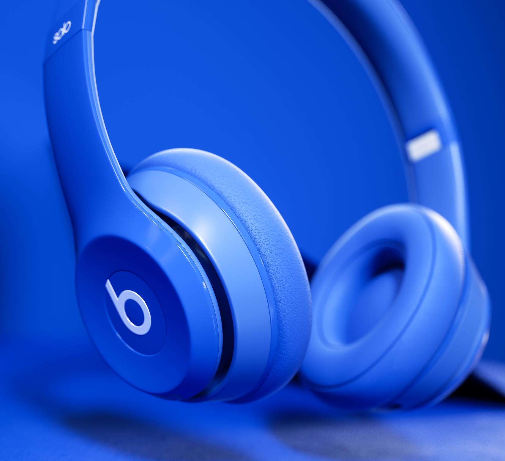 BeatsByDre_Scene_Blue_02.jpg