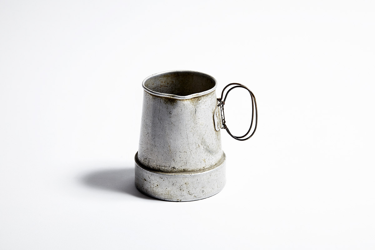 Shackleton_Artefacts_Lake_Cup.jpg